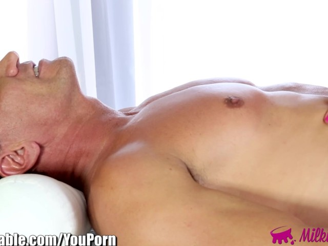 Milkingtable horny masseuse in glasses sucks off client