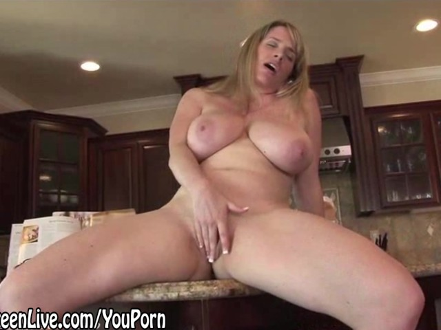 Nude chef maggie green plays with her pussy on kitchen count