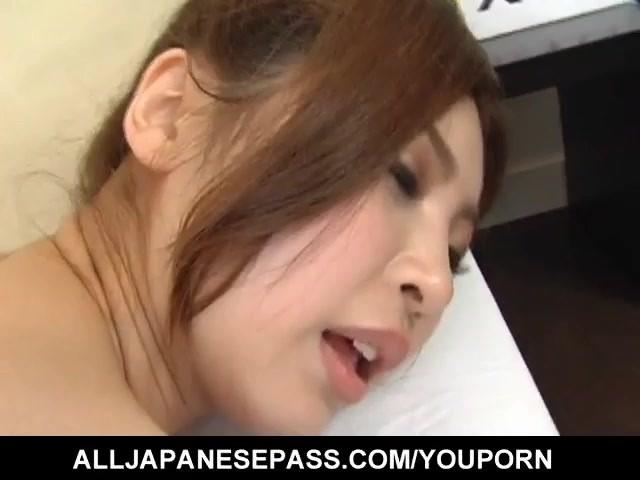 anna-kousaka-has-big-boobs-touched-and-shaking-during-frigging