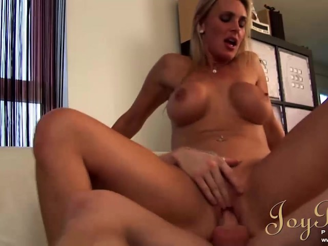 hook up with milfs