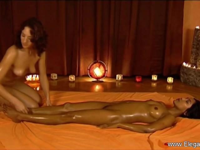 eternal-massage-between-women