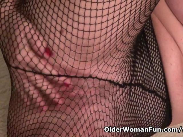 american-milf-sally-steel-gets-naughty-in-fishnets