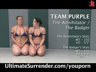 action-nude-wrestling---4-girls---live-show.