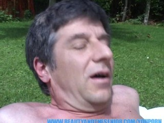 fucking-a-chick-with-big-tits-in-my-garden