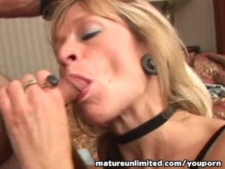 horny-mature-sucking-and-licking.....