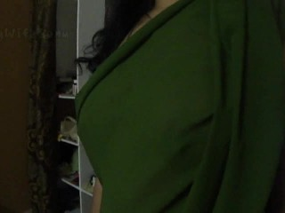 Indian Wife Sonny Exposing In Saree...
