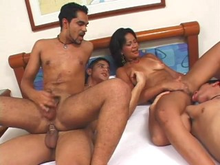 she-loves-huge-bi-cock---legend