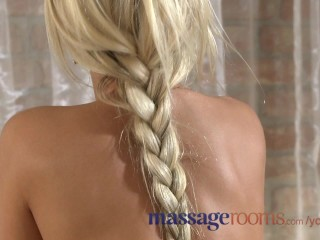 massage-rooms-lola-rides-both-male-and-female-clients-with-her-tight-bald-pussy