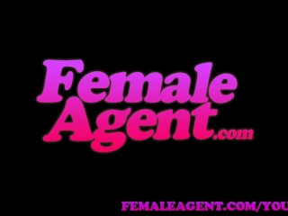 Femaleagent in casting interview