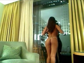 big-tit-cam-girl-dry-humps-her-chair