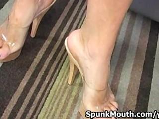 Sexy vixen licks