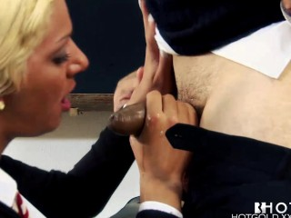 hotgold-portuguese-student-fucked-for-better-grades