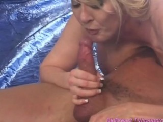 sexy-milfs-with-extreme-boobs