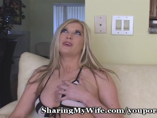 rubbing-her-clit-to-orgasm