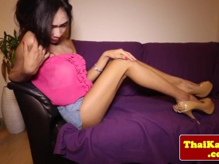 Skinny thai tgirl ladyboy tugs her dick...