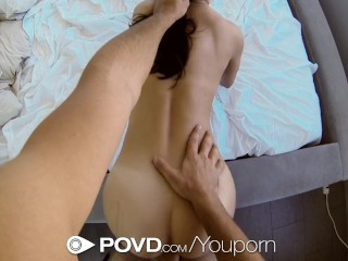 dillion-harper-shows-her-bf-how-she-cums-with-her-toys---povd