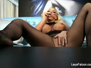 Skin Diamond & Leya Falcon Lesbian Anal