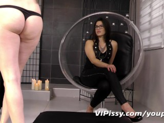 mistress-rewards-her-with-golden-showers