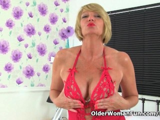 British milf amy loves that stuffed feeling