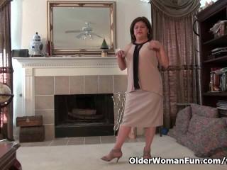 American granny kay masturbates in pantyhose...