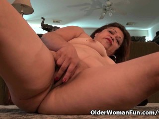 Chubby granny Kay gets aroused in nylon