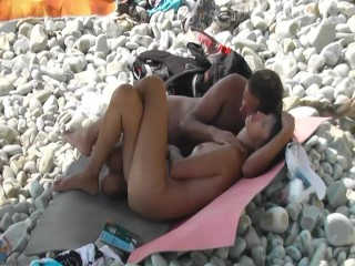 Voyeur saw a beach nudist that didn't want to have sex