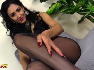 Footjob by pantyhose...
