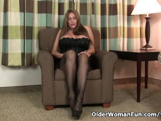Sheila gets turned on by pantyhose...