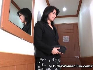 Anabella Starts Pleasuring Pussy...